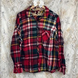 Maurices red flannel plaid button up long sleeves